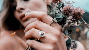 anillos de plata con piedras